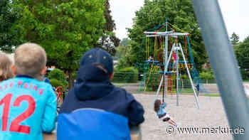 """Eröffnung: Endlich wieder """"Poli""""! Großer Spielplatz in Poing jetzt mit Literaturhaus für Kinder - Merkur Online"""