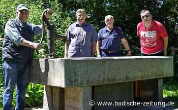 Ein stabiler Brunnen ziert den Grillplatz Ruhbühl - Lenzkirch - Badische Zeitung - Badische Zeitung