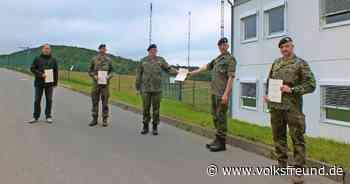 Jubilare bei Bataillon Elektronische Kampfführung der Bundeswehr Daun - Trierischer Volksfreund