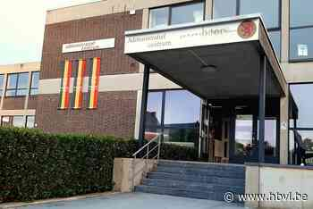 Nieuwe banners in Belgische driekleur - Het Belang van Limburg