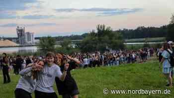 Am Bögl-Weiher bei Sengenthal feierten rund 2000 Party-Gänger in die Nacht - Nordbayern.de