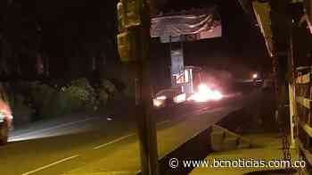Intentaron prenderle fuego al peaje de Neira - BC NOTICIAS - BC Noticias