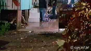 Mulher fica ferida ao cair de escada em residência na Rua Jacarezinho - CGN