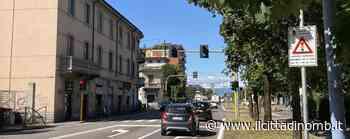 Pioggia di multe in viale Lombardia a Brugherio: sospese fino a settembre quelle relative al cambio di corsia - Il Cittadino di Monza e Brianza