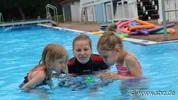 Schafflund: Spaß beim Ferienschwimmen im Schwimmbad Waldeck – für Kinder und ihre Trainer   shz.de - shz.de