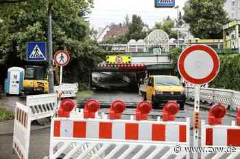 Verkehrschaos in Weinstadt: Bahnunterführung ab Mittwoch frei, Baustelle wandert - Weinstadt - Zeitungsverlag Waiblingen