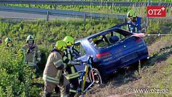In Zeulenroda Autofahrer gerettet, Fahrzeug vor dem Abstürzen gesichert - Ostthüringer Zeitung