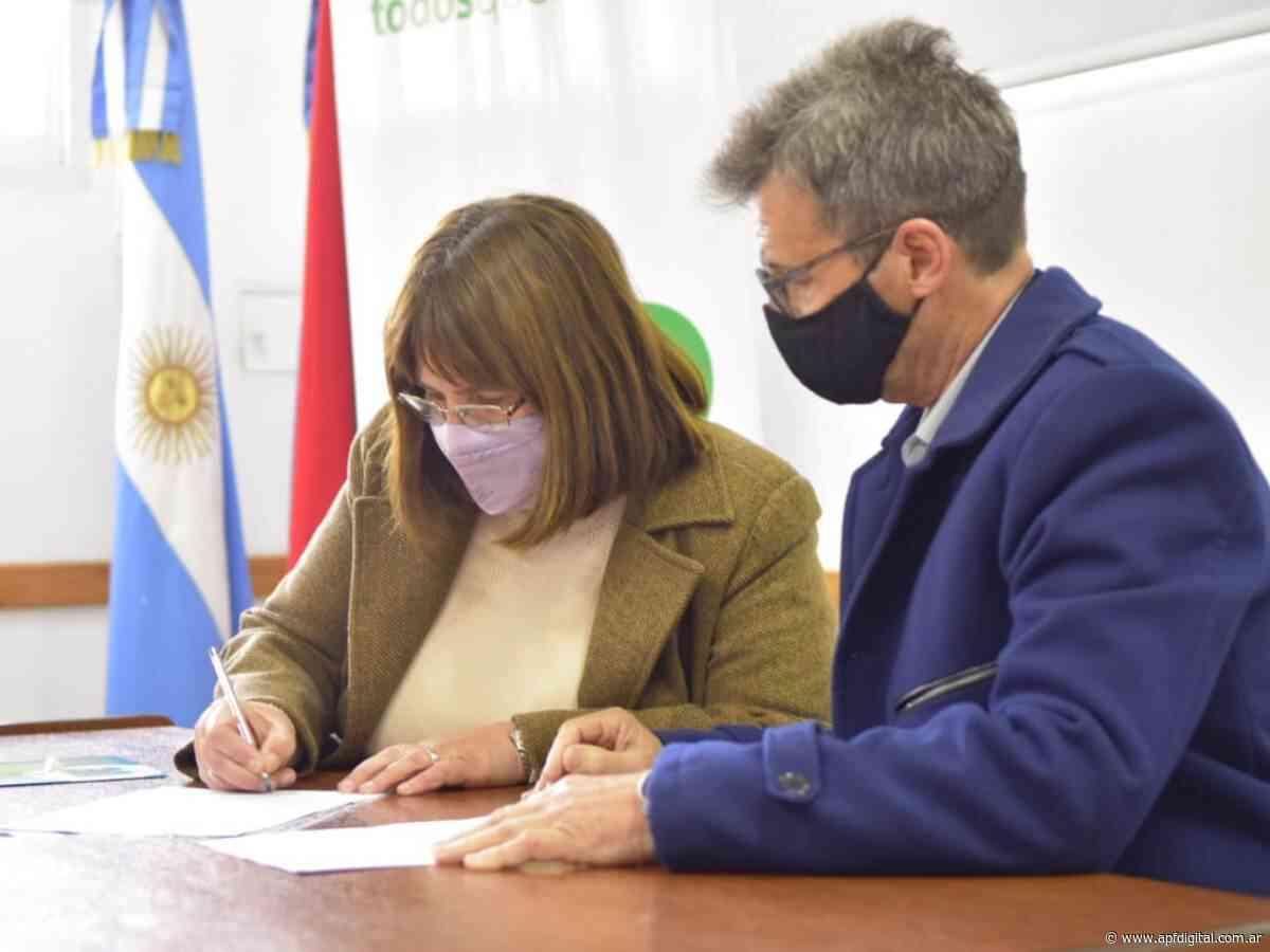 El Ministro Richard firmó en Villa Elisa un convenio para la ejecución de una nueva obra de pavimentado - apfdigital.com.ar - APF Digital