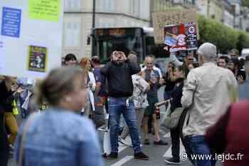 Près de 400 personnes dans la rue à Nevers contre le pass sanitaire et la vaccination obligatoire - Le Journal du Centre