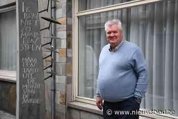 """Kunstwerk over 'Rock Torhout' verdwijnt uit straatbeeld: """"In- en uitrit van appartementsgebouw komt in de plaats"""" - Het Nieuwsblad"""