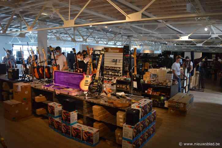 3.000 instrumenten te koop voor een prikje: instrumentenwinkel heropent na zeven jaar voor uitverkoop