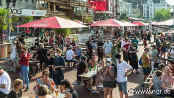 Hamburger Kultursommer eröffnet mit Udo Lindenberg - NDR.de