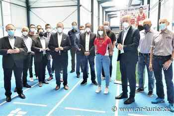 Politiker- und Sportlertreffen in der neuen Leichtathletikhalle am Rhein-Wied-Stadion Neuwied - NR-Kurier - Internetzeitung für den Kreis Neuwied