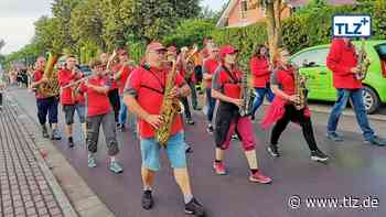 Hunderte feiern gemeinsam das Niederroßlaer Parkfest - Thüringische Landeszeitung