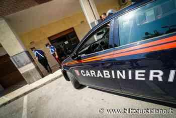 Afragola, si abbassa le mutande in pubblico poi aggredisce un carabiniere e gli strappa la mascherina:... - Blitz quotidiano