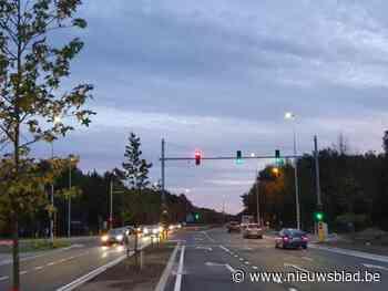 Defecte verkeerslichten op kruispunt van N76 met Weg naar Zwartberg zorgen voor gevaarlijke toestanden