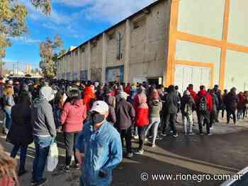 Amplia convocatoria de jóvenes en la vacunación sin turno en Cutral Co - Diario Río Negro