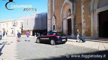 Via-vai di giovani insospettisce i carabinieri: scatta la perquisizione e spunta un panetto di hashish, arrestato - FoggiaToday