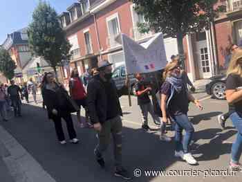 Beauvais: une soixantaine de personnes manifeste contre le pass sanitaire - Le Courrier picard