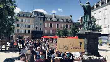 Pass sanitaire et vaccination: près de 400 personnes marchent à Rodez pour la liberté de choix - Centre Presse Aveyron