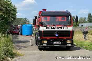 Vrachtwagen brandt volledig uit in Aartselaar