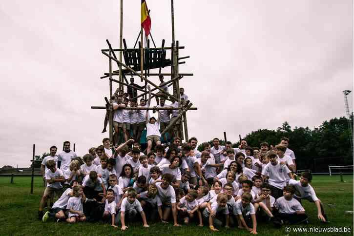 Chiro Jongens Wijer houden het droog op kamp