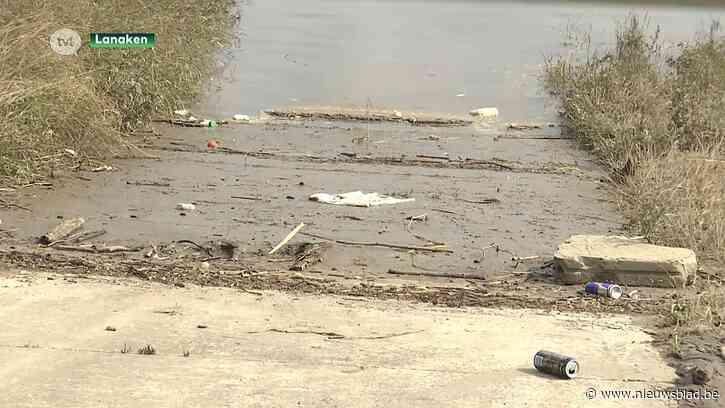 """Burgemeester waarschuwt: """"Veel te gevaarlijk om nu al puin te ruimen aan de Maas"""""""