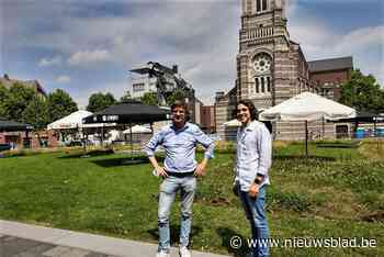 """Horecaman Henk baat tijdens na-Tourcriterium terras met 1.200 plaatsen uit: """"Goede test voor de Sinksenkermis"""""""