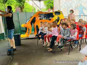Projet éducatif - La sculpture du rhinocéros de retour à Saint-Junien après cinq ans de travail avec les élèves - lepopulaire.fr