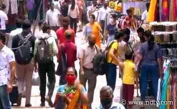 """""""COVID-19 Could Explode"""": AIIMS Doctor Warns Against Festival Crowds - NDTV"""