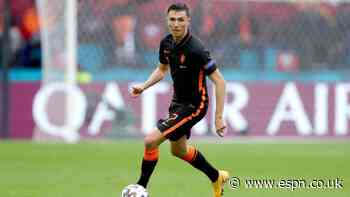 Transfer controversy as Berghuis joins Ajax