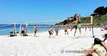 La plage en été à Concarneau : Ça biche volley aux Sables Blancs [Diaporama] - Le Télégramme