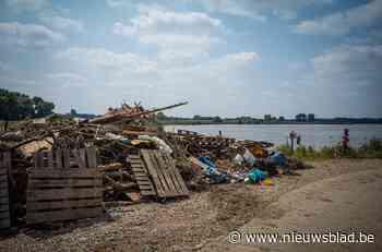 Daling van Maas toont ravage, deze zomer geen autoveerpont meer