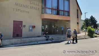 Villefranche-de-Rouergue (12) : file d'attente et tensions au centre de vaccination de Treize-Pierres - LaDepeche.fr