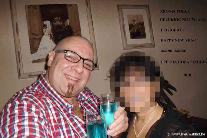 Ruim 10 jaar na zijn veroordeling voor beleggingsfraude licht ex-sponsor van Lierse en Westerlo opnieuw mensen op
