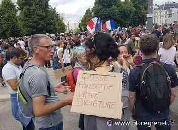 Forte affluence à Grenoble pour la mobilisation contre le pass sanitaire et l'obligation vaccinale - Place Gre'net