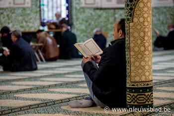 """Gentse moslims vieren Offerfeest onder coronamaatregelen: """"M... (Gent) - Het Nieuwsblad"""
