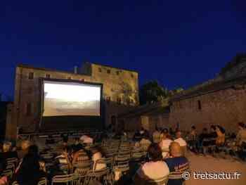 Trets : Le cinéma de retour en plein air au château CET ETE 2021 : PROGRAMME - Trets au coeur de la Provence