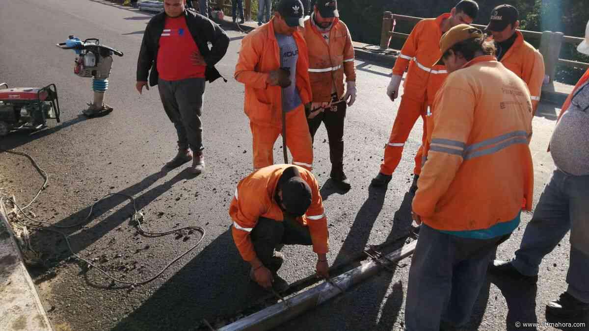 MOPC repara bache tras accidente de tránsito en Paraguarí - ÚltimaHora.com