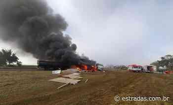 Caminhões batem de frente, pegam fogo na BR-153 em Salto Grande (SP) - Estradas