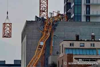 Remains of toppled crane removed in Kelowna, B.C., most evacuations lifted