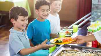 EU agri ministers back serving up more organic food in schools, hospitals - EURACTIV