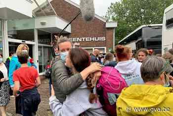 """Opluchting bij thuiskomst Kalmthoutse scouts na zondvloed op kamp: """"De leiding heeft het fantastisch gedaan"""" - Gazet van Antwerpen"""