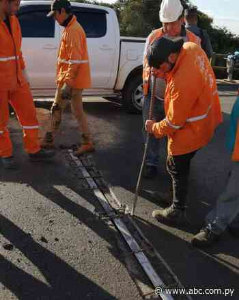 Repararon bache que causó triple choque en la ruta Villarrica-Paraguarí - Nacionales - ABC Color