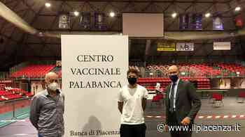 Al centro vaccinale della Banca di Piacenza il primo vaccinato con doppia dose - IlPiacenza
