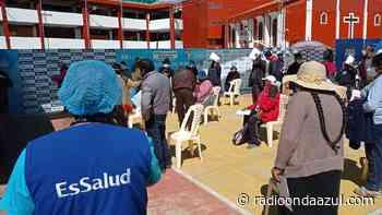 Puno: Transferencia limitada de vacunas para la población asegurada de 55 años, causa preocupación - Radio Onda Azul