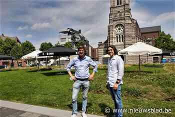 """Horecaman Henk baat tijdens na-Tourcriterium terras met 1.200 plaatsen uit: """"Goede test voor de Sinksenkermis"""" - Het Nieuwsblad"""