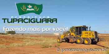 Prefeitura de Tupaciguara realiza limpeza no Distrito Industrial. - Jornal do Triângulo