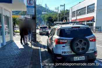 Funcionários de loja são trancados no banheiro durante assalto em Jaraguá do Sul - Jornal de Pomerode