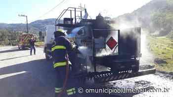 Caminhão com líquido inflamável pega fogo em Pomerode - O Município Blumenau